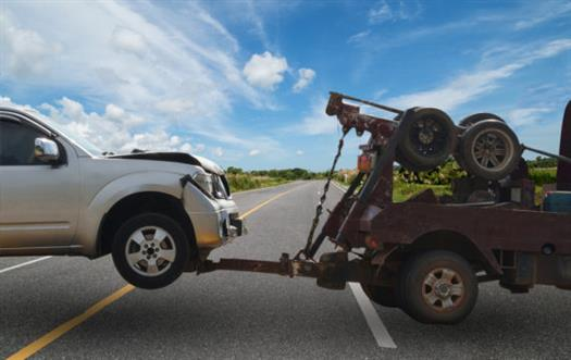 junk-car-removal-shutterstock_595106255-570x360